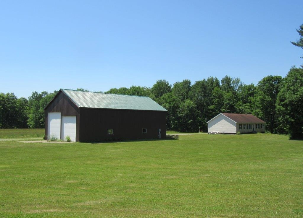 85 acres Country Home Bordering State Land