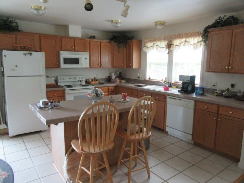 1,800 ft. of living space and everything is in clean condition and working perfectly.