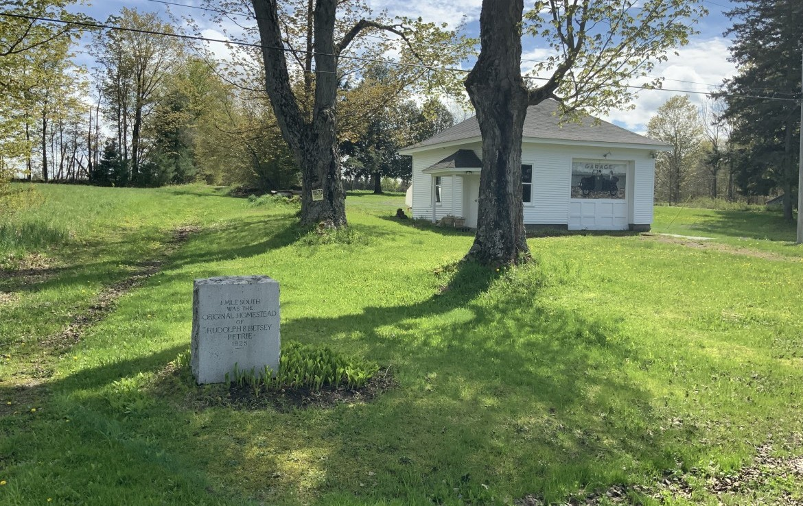70 acres Hunting and Farm land for sale with Farmhouse, Carriage, and Barn in Parish, NY!