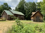 Live off the land in this Woodland Paradise!