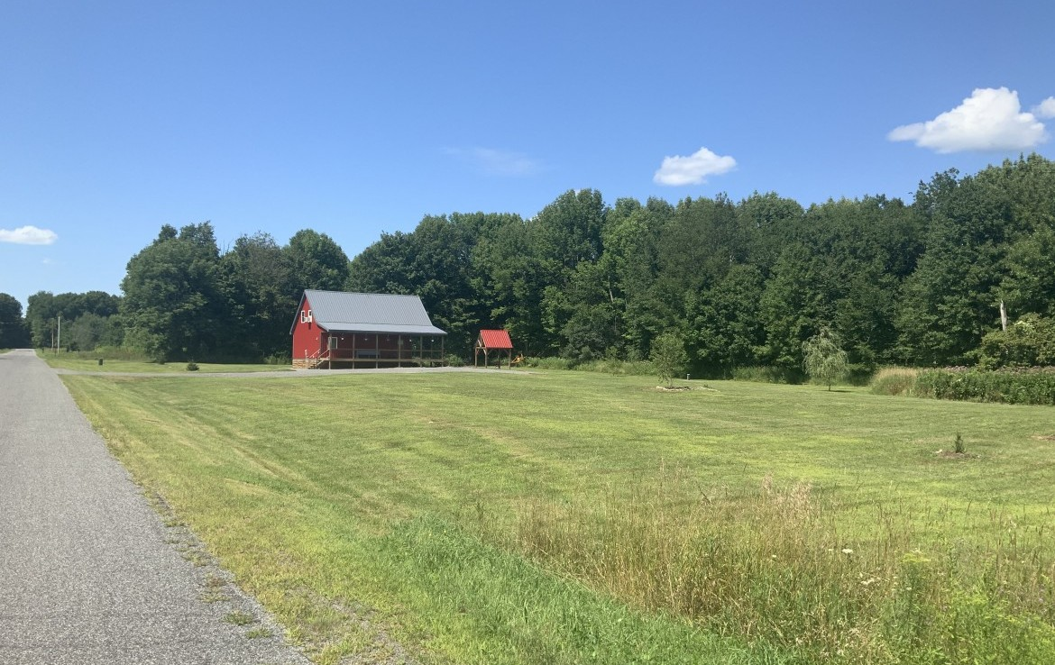 5.53 acres Land and Turn-Key Sportsman's Cabin
