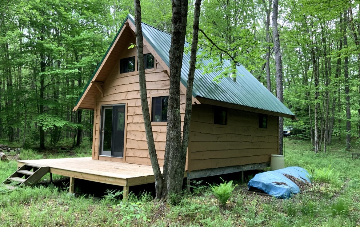 5 acres Hunting Land with Cabin for Sale in Annsville NY!