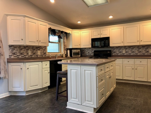 Must See, Close to Everything, 3 Bedroom, 1.5 Bath Home for Sale, Salina, NY!