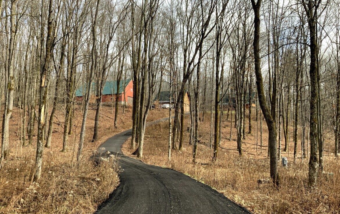 Turnkey Hunting, Fishing, Snowmobiling Outdoor Paradise!