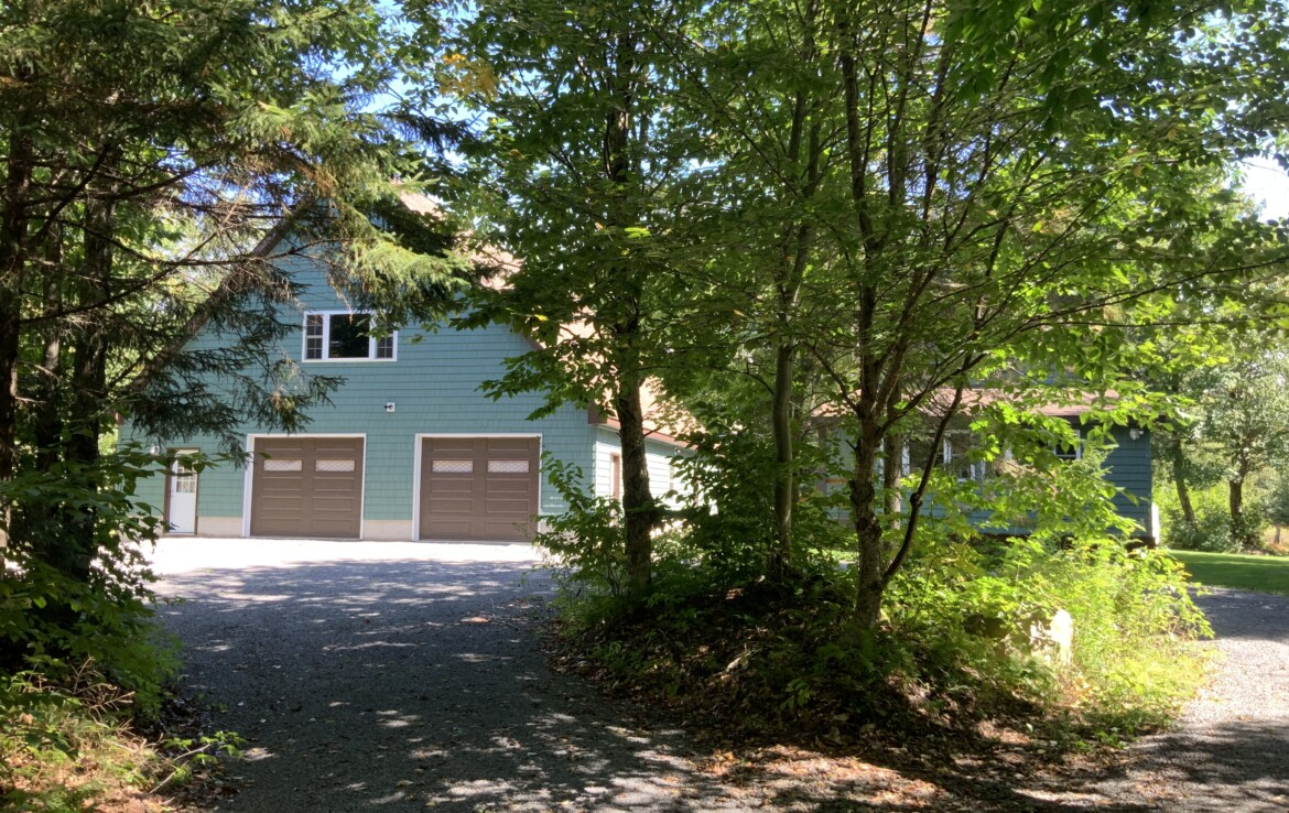 Turn-Key Woodland Home/Cabin with Pond in the North Country!