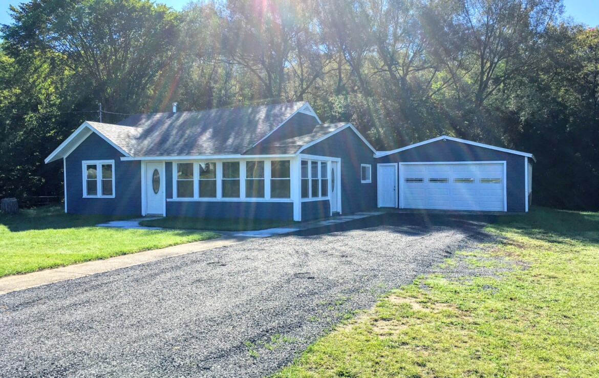 2.3 acres with 2 Bedroom/1 Bath Creekfront House for Sale, Harrisville, NY!